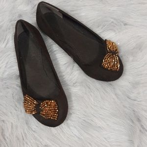 SODA brown gold bow flats size 6